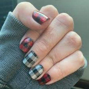 Color Street Nail Strips- Plaid About You overlay